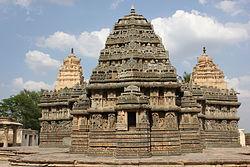 Lakshmi Narasimha temple at Nuggehalli.JPG