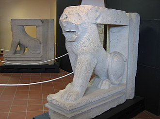Sulci - Lion statues