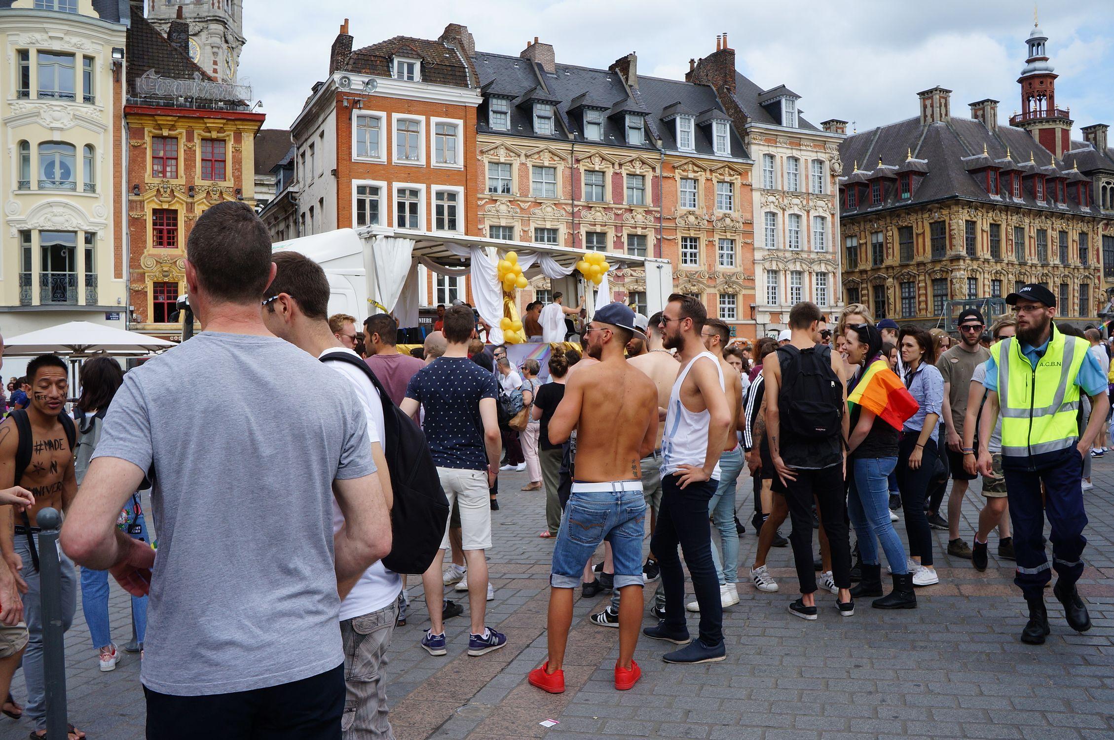 геи франции смотреть