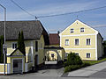 Linz-StMagdalena - Hof mit Kapelle - Pulvermühlstraße 1.jpg