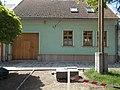 Listed residential building at 1 Erzsébet királyné St., Esztergom.jpg