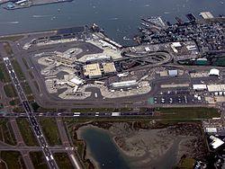 Veduta aerea dell'aeroporto di Logan.jpg