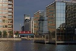 London MMB «O0 Canary Wharf.jpg