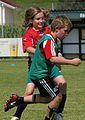 Mädchen gegen Buben(Fußball).JPG