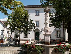 MOD - Amtshaus ehem, Marktbrunnen.JPG