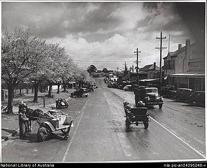 Drouin, Victoria - Main Street, Drouin ca 1944