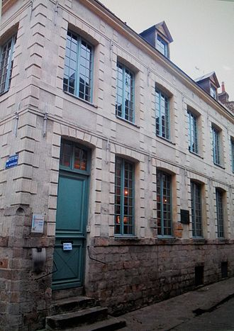 Maximilien Robespierre - The house where Robespierre lived between 1787–1789, now on Rue Maximilien de Robespierre