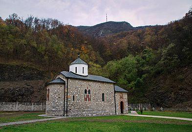 Manastir Vaznesenje, jesen 02.jpg