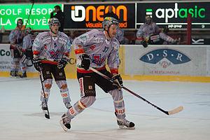 Eric Beaudoin - Image: Marc Grieder (L), Éric Beaudouin (R) Fribourg Gotteron vs. HC Bienne, 25.11.2011
