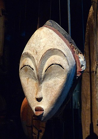 African art - Mask; wood coloured with kaolin; by Punu people from Gabon; Musée du quai Branly (Paris)