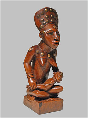 Yombe maternity figures - A Phemba sculpture from a private collection in France