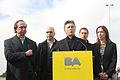 Mauricio Macri inauguró un nuevo tramo de la autopista Illia (7754684916).jpg