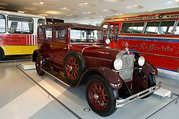Mercedes-Benz 12-55 PS Pullman Limousine 1927 RSideFront MBMuse 9June2013 (14797089517).jpg