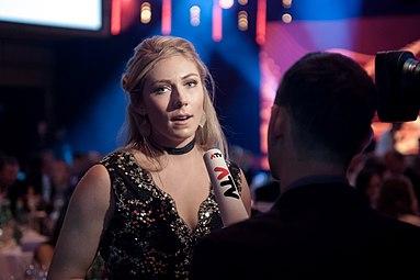 Mikaela Shiffrin Sportler des Jahres Österreich 2016 interview 3.jpg