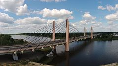 Milenijny Bridge aerial view 2017 P01.jpg