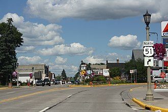 Minocqua, Wisconsin - Image: Minocqua Wisconsin Entering Downtown US51