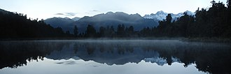 Lake Matheson - Image: Mirror Lake Fox Glacier