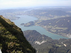 Mondsee from above.jpg
