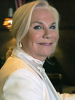 Monique van de Ven (2018).jpg