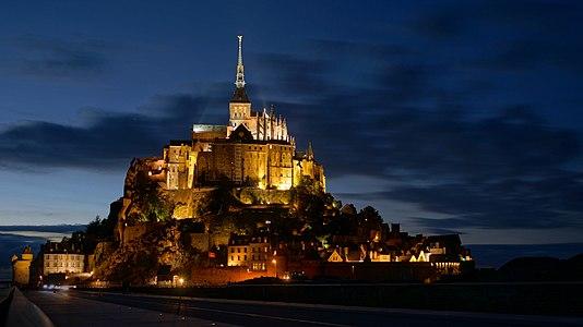 Mont Saint-Michel at dusk/night