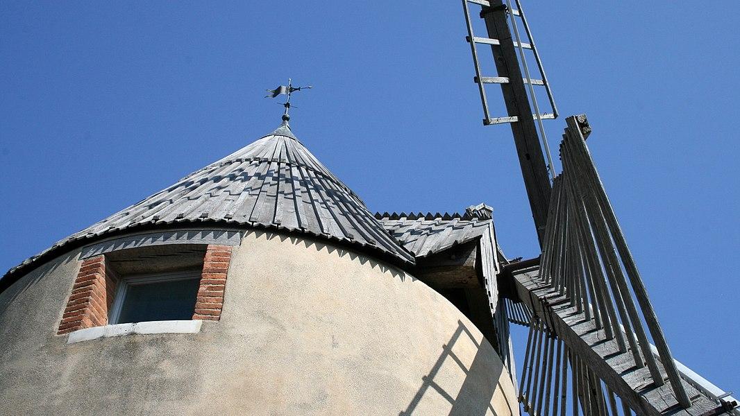 Moulin à vent de Vignasse - Toiture et base des ailes