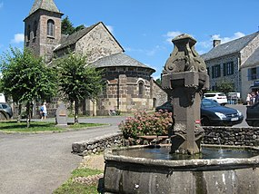 Moussages, fontaine.jpg