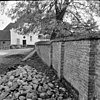 muur om de kerk - batenburg - 20028155 - rce