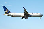 N672UA Boeing 767 United (14786289666).jpg