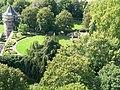 Neues Schloss Höchst Garten.jpg