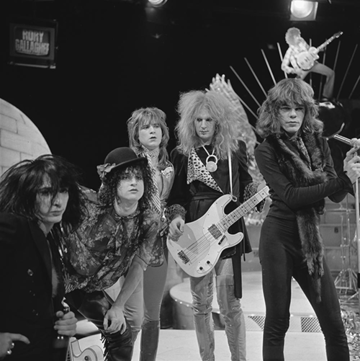 The New York Dolls in 1973. Their visual style influenced the look of many 1980s-era glam metal groups. New York Dolls - TopPop 1973 11.png