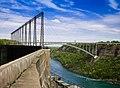 Niagara Falls Gorge (14027078804).jpg