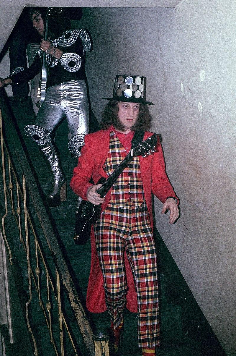 Noddy Holder - Slade - 1973.jpg