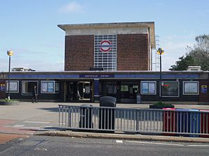 Northfields tube station - Image: Northfields station building