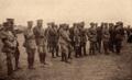 Norton de Matos assiste a um momento desportivo, perto da frente - Portugal na Guerra (15 Set. 1917).png