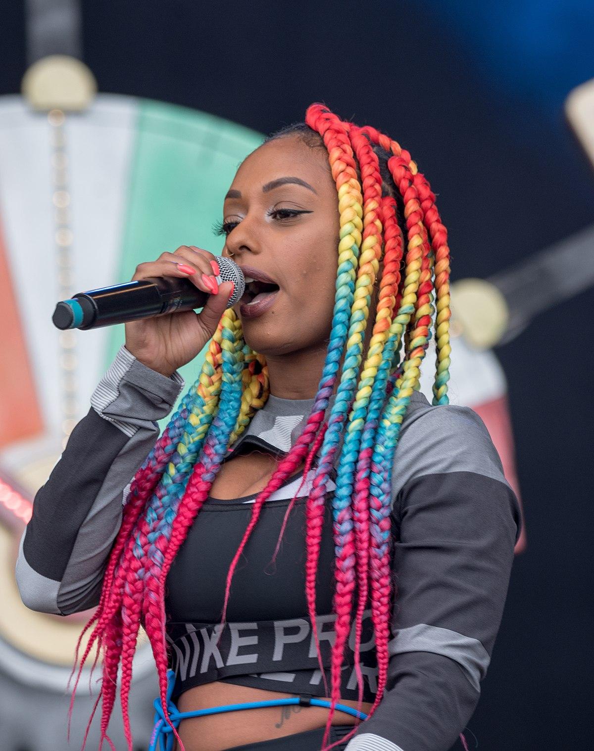 Nura Sängerin