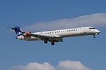 OY-KFM Bombardier CL-600-2D24 CRJ900 CRJ9 - SAS (18665867218).jpg