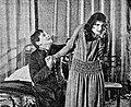 Obozhzhenniye krylya 1915.jpg