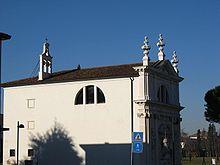 L'Oratorio della B.V. del Rosario, adiacente alla