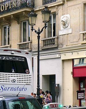 Siege of Paris (1429) - Image: P1260796 Paris Ier rue St Honore n 161 163 rwk