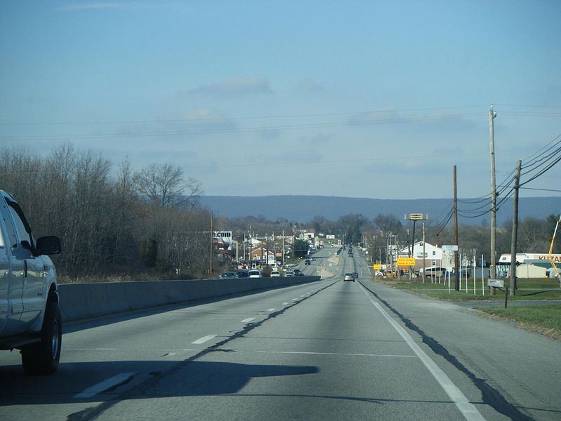 File:PA 61 NB entering Perry Township from Shoemakersville.JPG