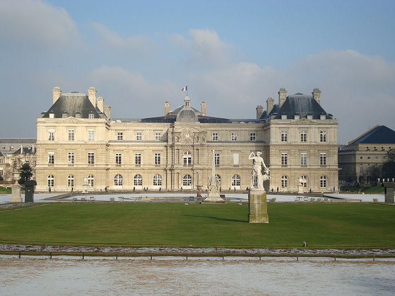 Palais du Luxembourg hiver.JPG