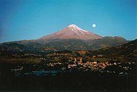 Panorámica de la ciudad de Coscomatepec y el Pico de Orizaba.jpg