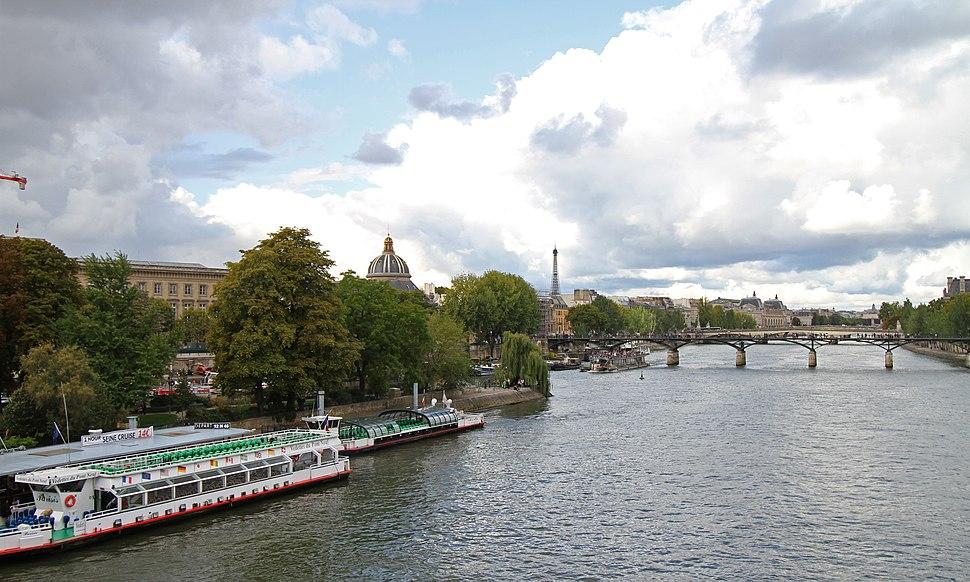 Paris-Seine-116-Pont des Arts-Institut de France-Tour Eiffel-2017-gje