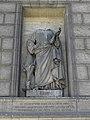 Paris (75008) Église de la Madeleine Extérieur Statue 15.JPG