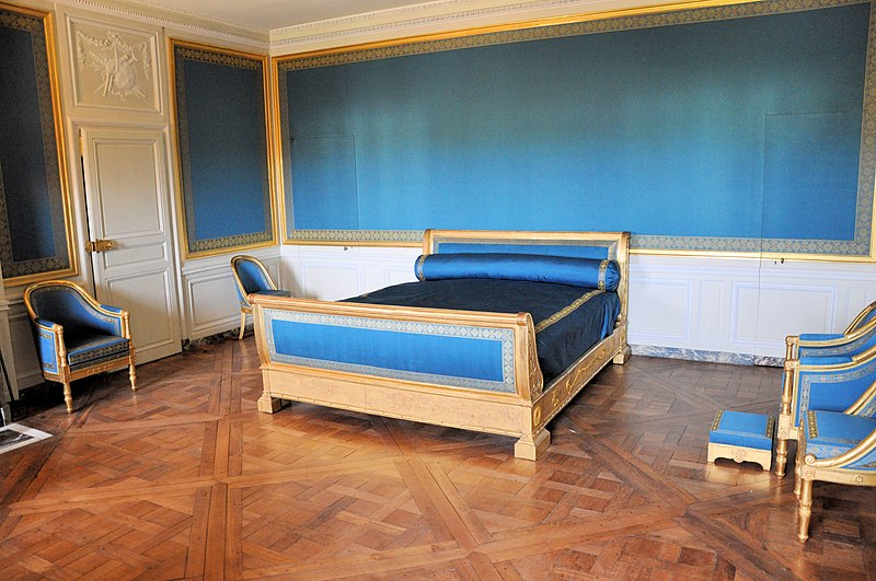 Fichier:Petit Trianon - Attique - Salle évoquant la chambre de Marie-Louise.jpg