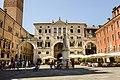 Piazza dei Signori 2 (10610748025).jpg