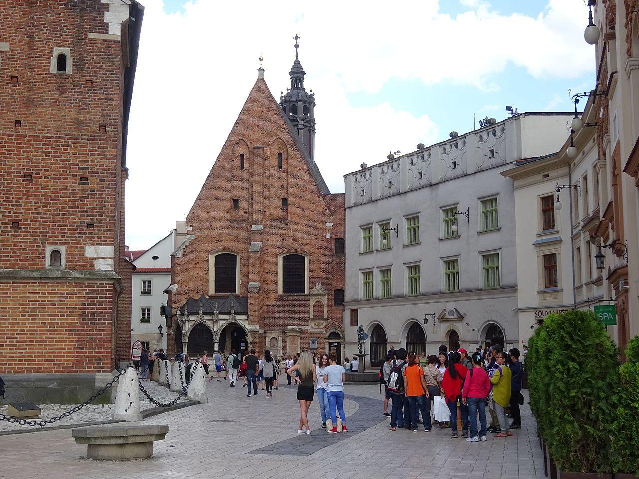 Plac Mariacki i kościół św. Barbary