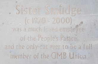 People's Palace, Glasgow - Plaque dedicated to Smudge outside the People's Palace