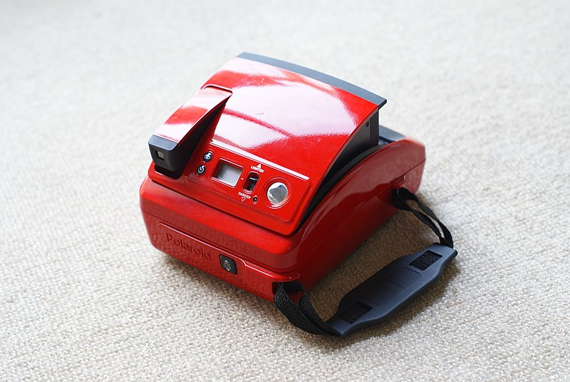 File:Polaroid Rossa 02.jpg