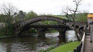 William Edwards (architect) - Old and new bridge in Pontypridd